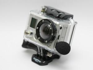 GoPro HD Hero 2 mit eingestecktem Edutige ETM-001-Mikrofon  Foto (c) Edutige